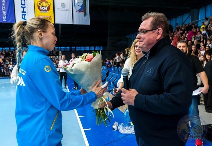 Сергей Анташев поздравляет с днем рождения Полину Ведёхину